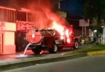 Queman uno de los carrotanques de bomberos en Cartago