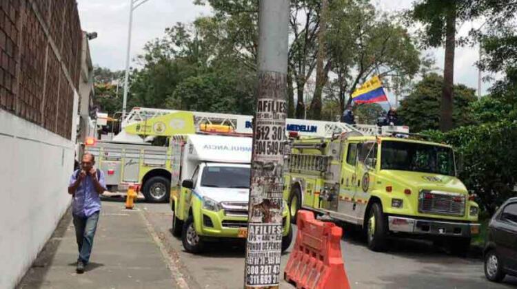 Bomberos de Medellín protestaron por posibles reformas
