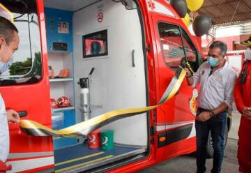 Entregan ambulancia a Bomberos Voluntarios de Barrancabermeja