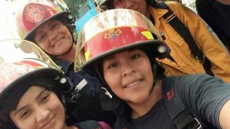 """""""La mujer bombero tiene el mismo rol que el del hombre"""""""