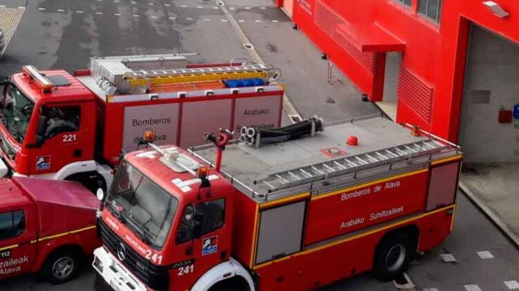 Los bomberos de Álava tendrán nuevos vehículos contra incendios y rescate
