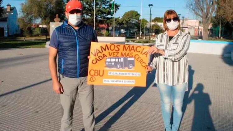 Bomberos organizaron campaña para comprar autobomba