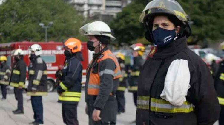 Los bomberos voluntarios comenzaron a ser vacunados masivamente