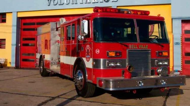 El rápido accionar de los bomberos logró salvar la vida a una beba