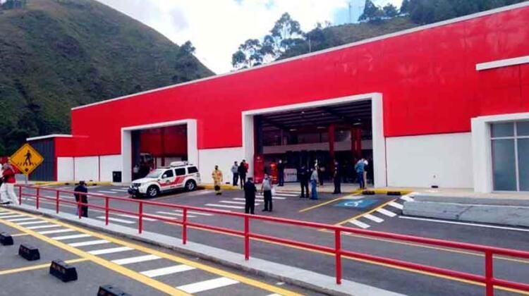 Bomberos de Cuenca inauguran una modernas instalaciones
