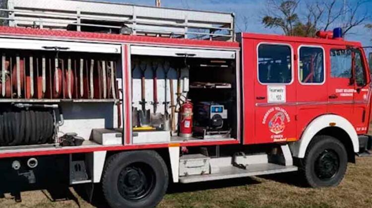 Los Bomberos de Santa Eleodora suman nuevo autobomba