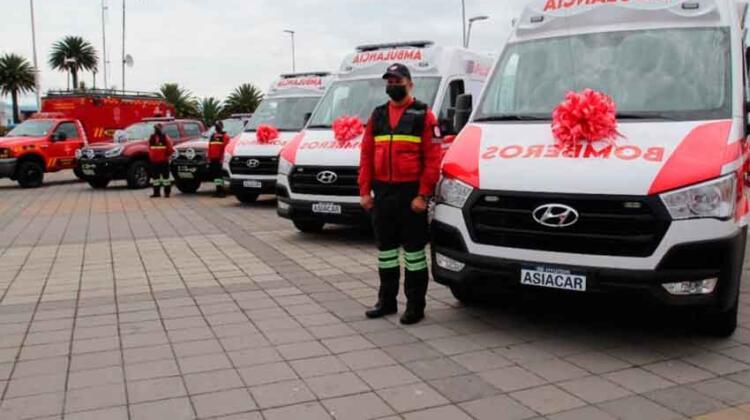 Bomberos de Ibarra con nuevos equipos y vehículos