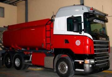 Bomberos recibió un cisterna con capacidad de 18000 litros