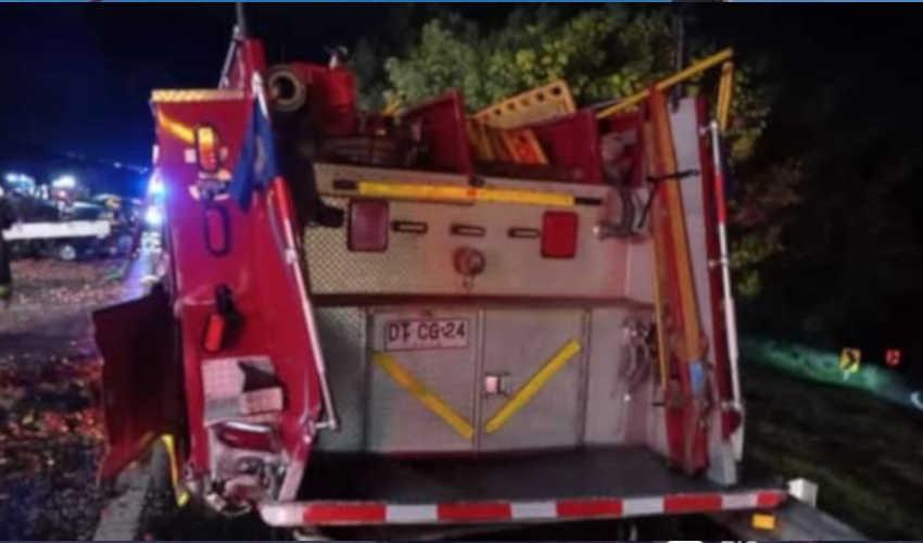 Camión choca a carro de Bomberos tras accidente en Ruta del Itata
