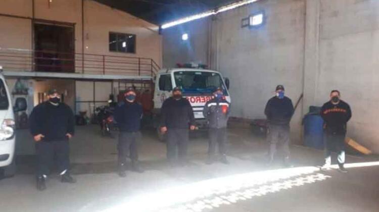 Bomberos acuartelados piden renuncia a la Comisión Directiva
