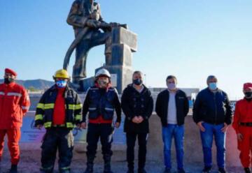 Reinauguran un monumento a los bomberos voluntarios en Las Heras