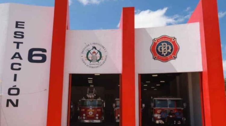 Inauguran estación de bomberos en el Parque Bicentenario