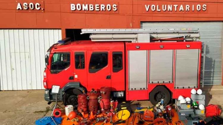 Bomberos Voluntarios de Chañar Ladeado con nuevo autobomba