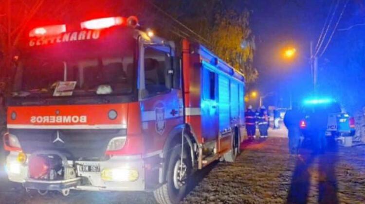 Recibieron a los tiros a los bomberos en un incendio