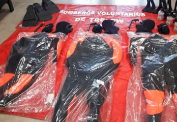 Bomberos incorporaron equipos de buceo para el rescate acuático
