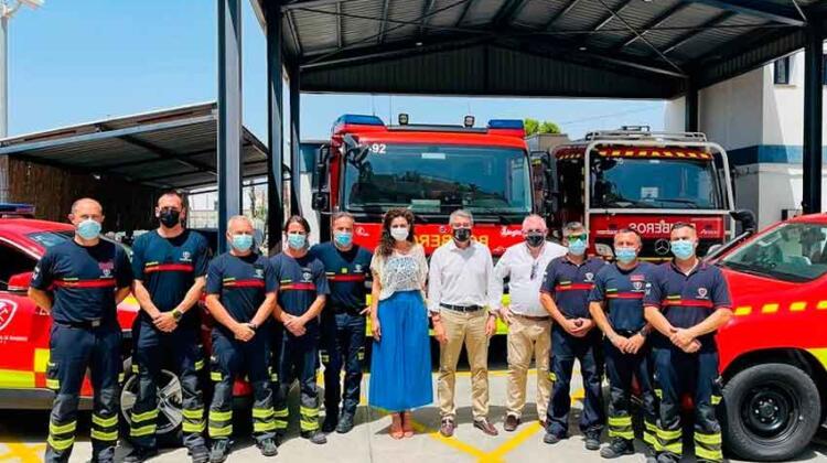 Incorporan al parque de bomberos un camión ligero