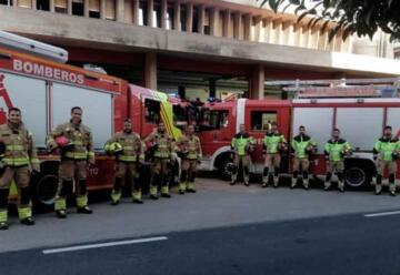Los bomberos municipales renuevan su indumentaria