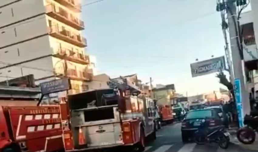 Incendio fatal: murieron dos bomberos y hay un herido grave