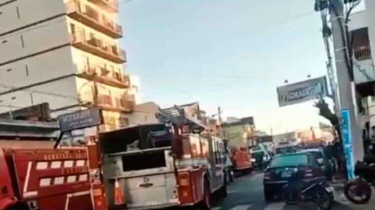 Confirmaron la muerte de un tercer bombero en el incendio en Caseros