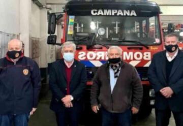 Carlos Alfonso visitó el cuartel de Bomberos Voluntarios de Campana