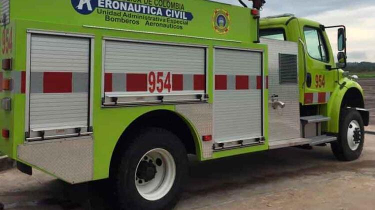 Robaron maquina de bomberos del aeropuerto Santiago Pérez Quiroz