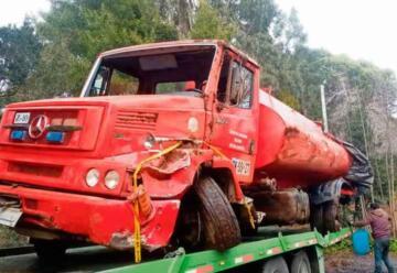 Bomberos necesitan apoyo para reponer camión aljibe perdido en un accidente