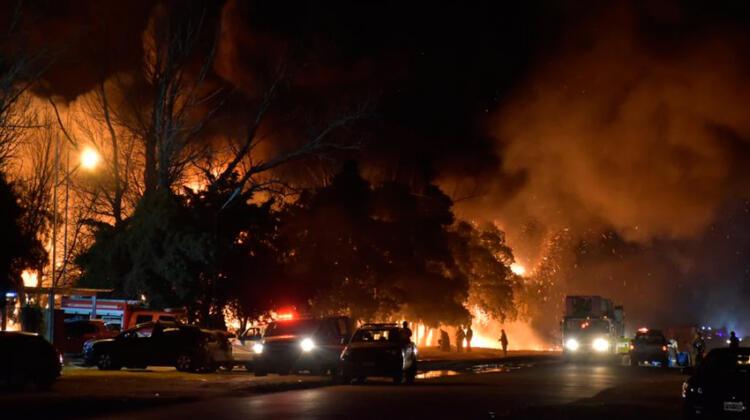 Impactante incendio en una fábrica de San Luis