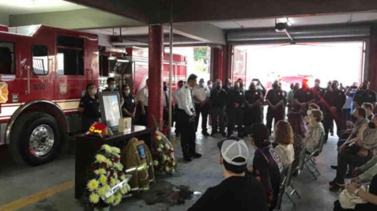 Rinden homenaje al bombero voluntario Leonardo García