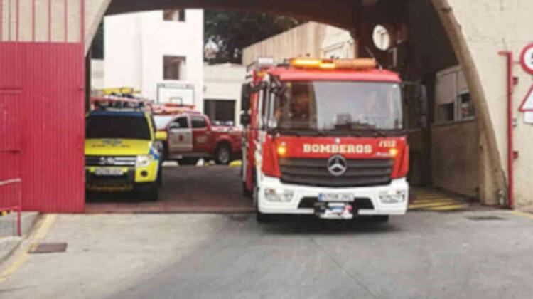 Apedrean a los Bomberos tras acudir a sofocar un incendio