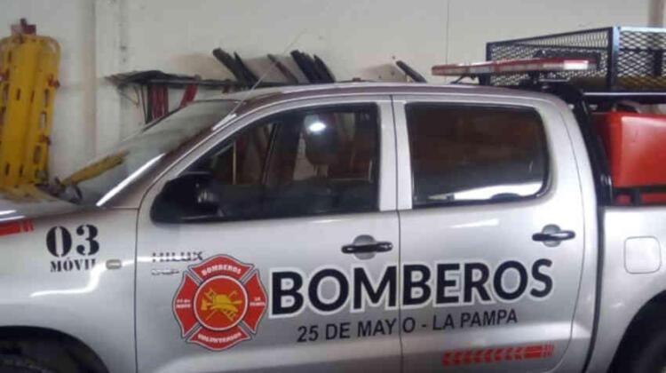 Bomberos de 25 de Mayo presentaron camioneta