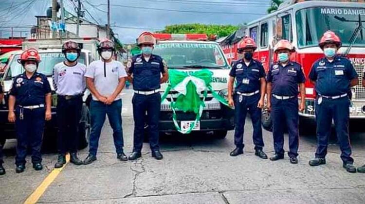 Bomberos municipales de San Felipe con nueva ambulancia