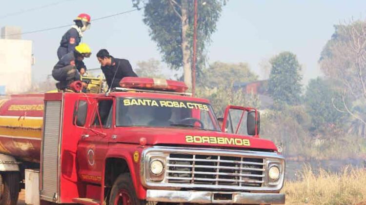 Bomberos de Santa Rosa ante el desafío de adquirir un nuevo vehículo