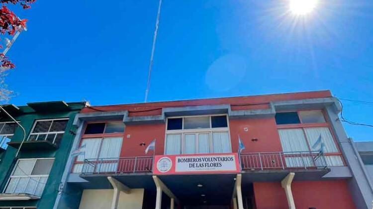 Bomberos Voluntarios Las Flores con nuevo repetidor de VHF