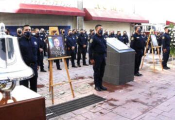 Conmemoración a bomberos caídos en cumplimento de su deber