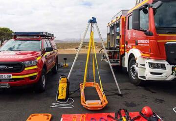 La Oliva pone en funcionamiento un nuevo y moderno camión de bomberos