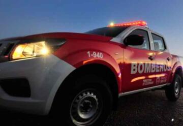 Entregaron móviles a los Bomberos y a San Luis Solidario