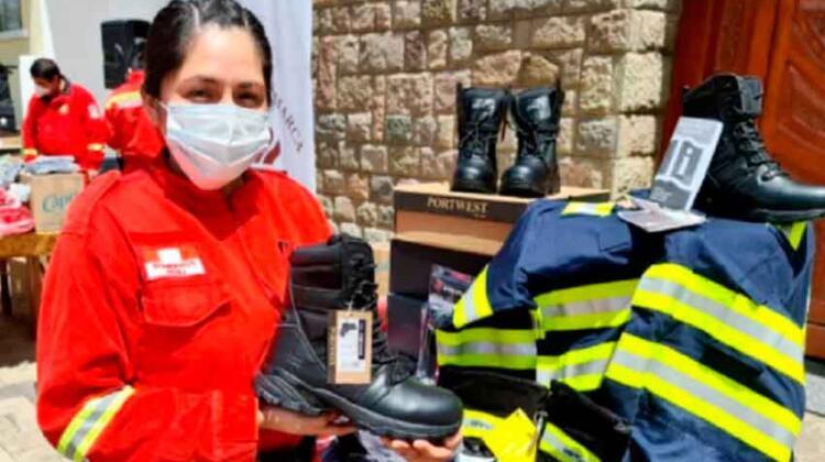 Compañía de bomberos realiza colecta para adquirir equipos especiales