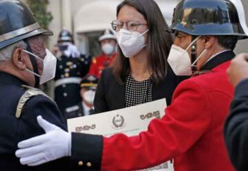 Premiaron a bomberos con 50 años de servicio