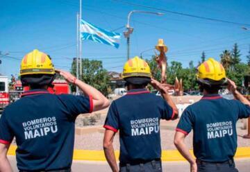 Maipú remodeló el emblemático Monumento al Bombero