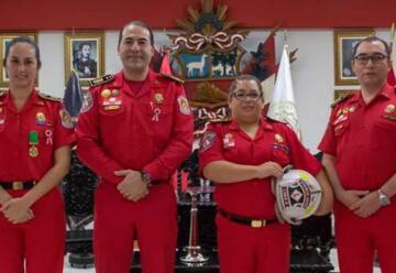 Nombran a la primera mujer comandante de estación de bomberos