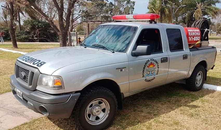 Bomberos de Ramona adquirieron una camioneta y un autobomba