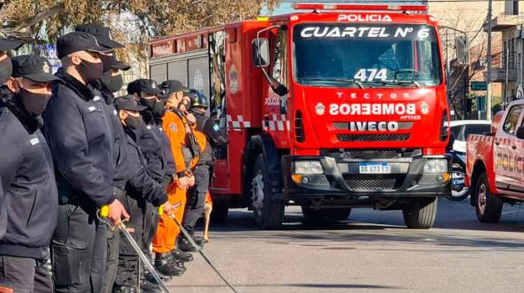 La Provincia de Neuquén compra equipos de protección a Bomberos