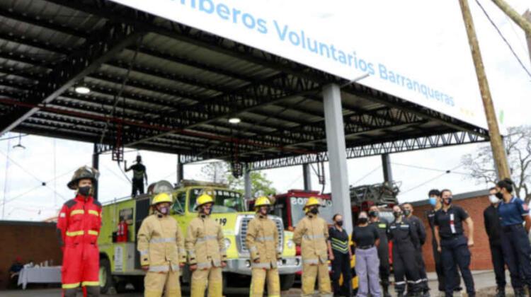 Inauguraron importantes obras en el primer cuartel de bomberos del Chaco