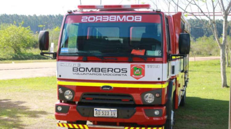 Bomberos voluntarios de Mocoreta con nuevo autobomba